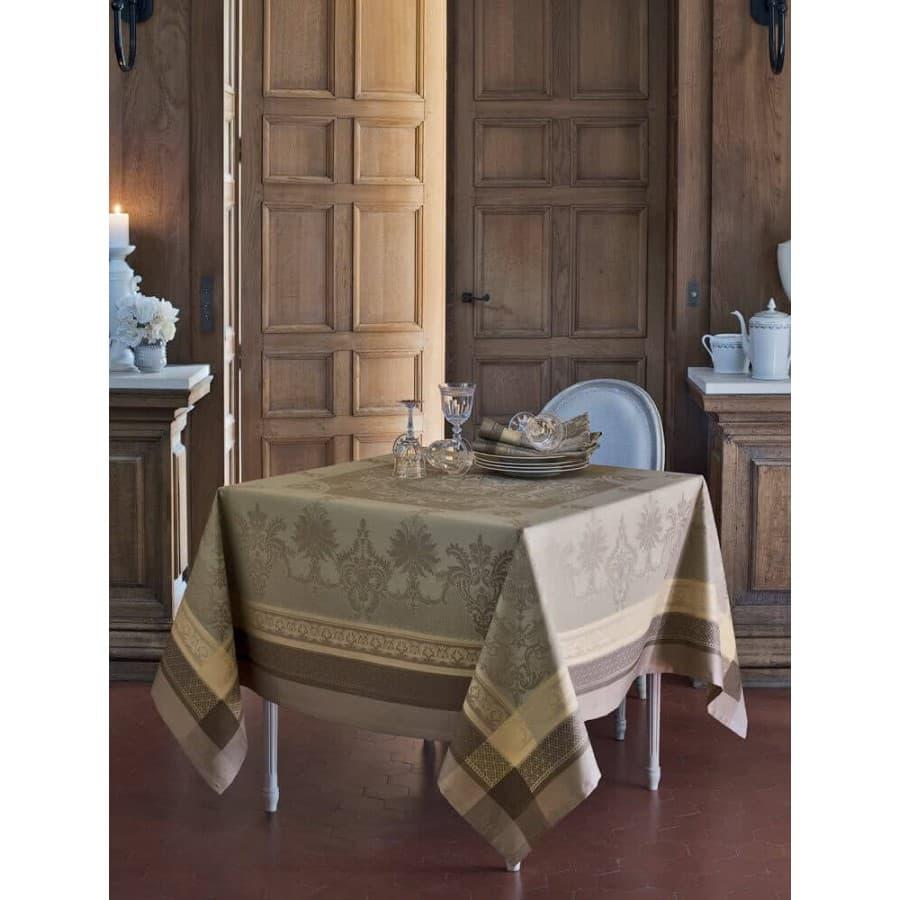 Скатерть Garnier Thiebaut Fontainebleau Tilleul